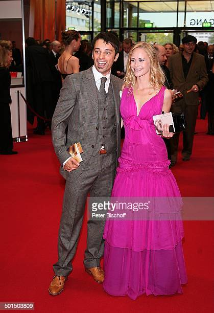 Roter teppich images et photos getty images - Tine wittler freund ...