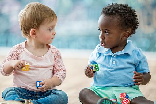 Infant friends 1069476304