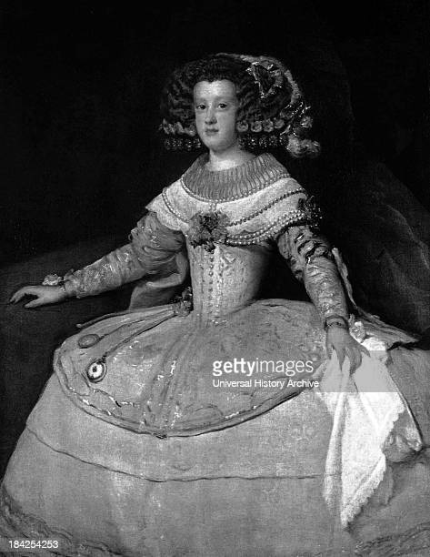 Infanta Maria Theresa by Velázquez circa 1653 Wearing her hair and clothes in a very fashionable way for the time at the Spanish royal court