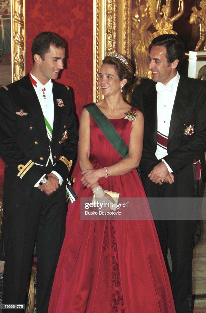 KING ABDULLAH II OF JORDAN ON VISIT TO SPAIN : News Photo