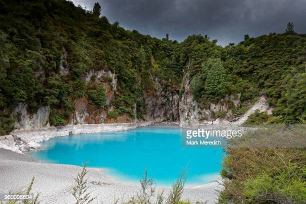 inferno crater at waimangu volcanic valley - valley stock pictures, royalty-free photos & images
