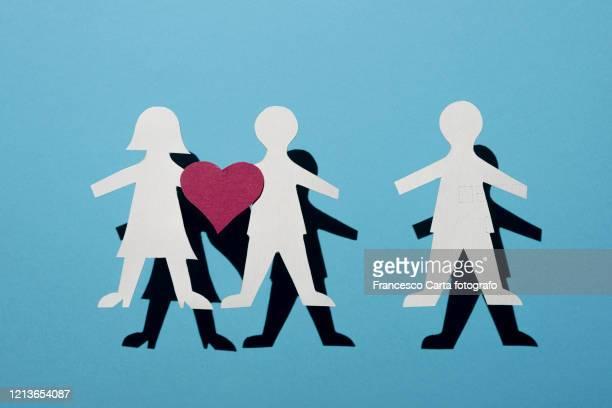 infidelity concept - romantiek begrippen stockfoto's en -beelden