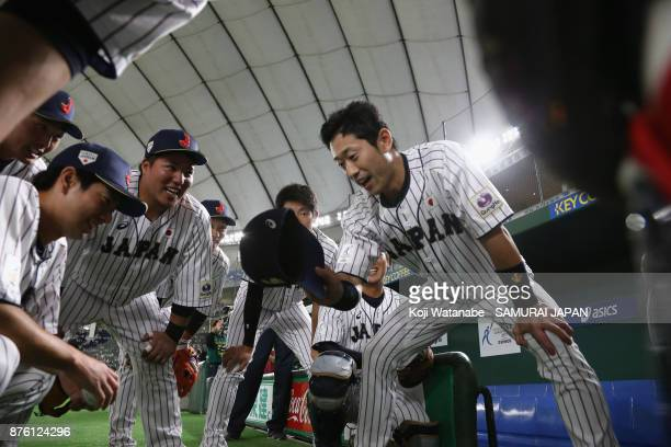 Infielder Shuta Tonosaki of Japan talks to team mates in the huddle prior to the Eneos Asia Professional Baseball Championship 2017 final game...