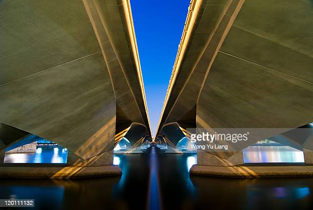 infinity and beyond - marina bay singapore stock pictures, royalty-free photos & images