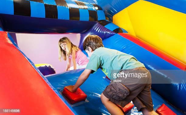 Aufblasbarer Spaß am Spielplatz