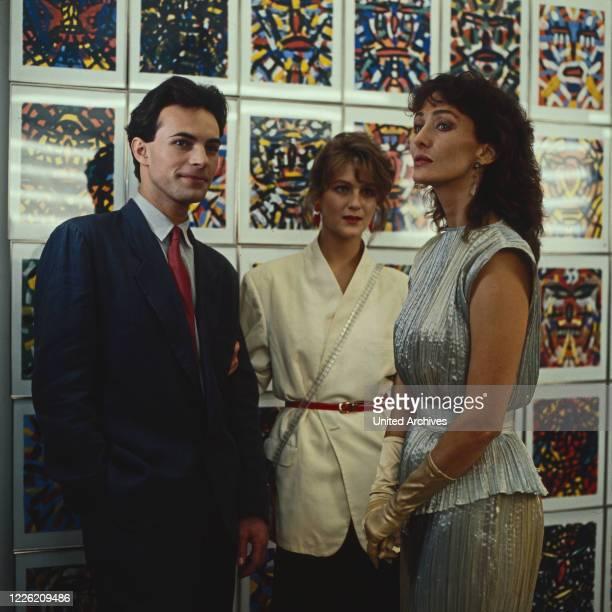 Inflation im Paradies Fernsehfilm Deutschland 1983 Regie Susanne Blänkner Nikolai Müllerschön Darsteller Anton Pfeffer Alexandra Dido Curtis...