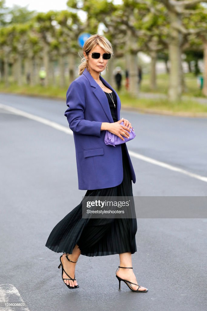 Street Style - Dusseldorf - July 13, 2020 : News Photo