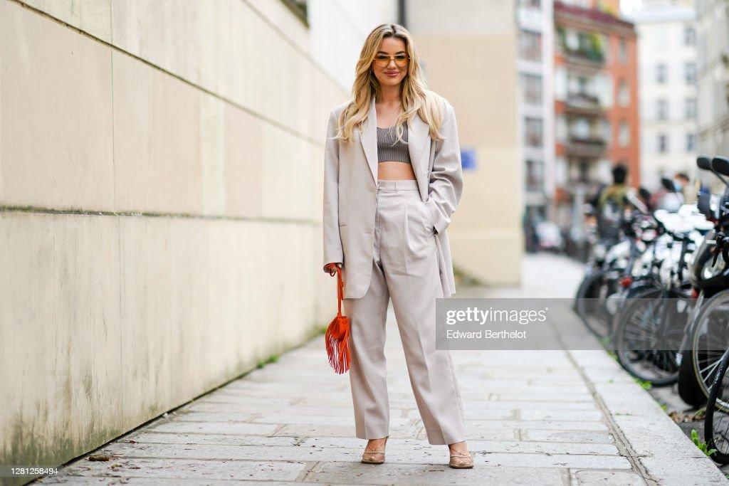 Street Style At Paris Fashion Week - Womenswear Spring Summer 2021 : Day Three : News Photo