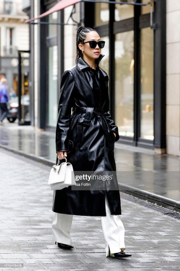 Street Style - Fashion Week Paris - February 28 - March 1, 2020 : News Photo