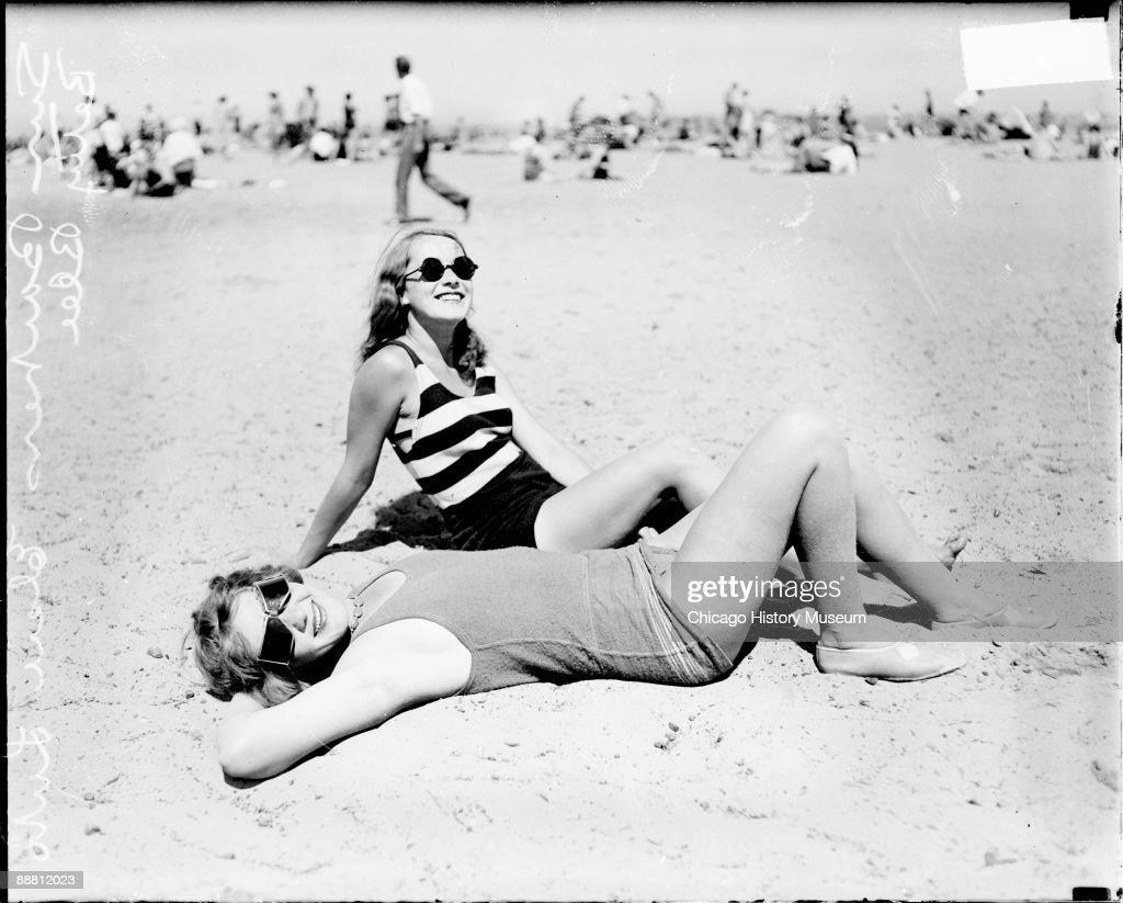 Beach Poses : News Photo