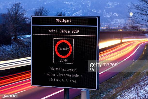 information board, ban on driving diesel vehicles from euro5/v free, stuttgart, baden-wuerttemberg, germany - verboten stock-fotos und bilder
