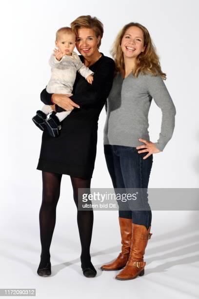 Inga Griese-Schwenkow mit Tochter Anna und Enkelin Josephine 12 Enkel, bitte! Als Großmutter an der Familienfront