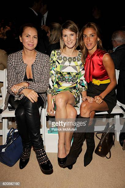 Inga Rubenstein Lizzie Tisch and Dori Cooperman attend DENNIS BASSO Spring/Summer 2009 Fashion Show at The TentsPromenade on September 9 2008 in New...