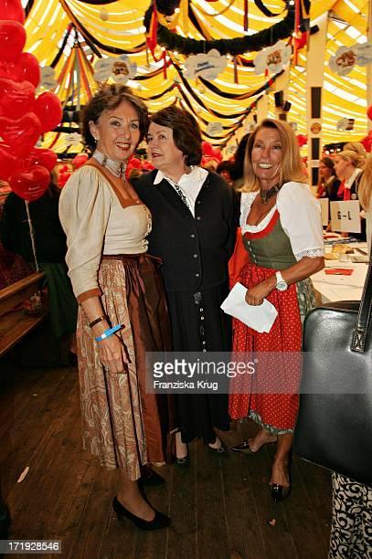 Ingeborg Servatius Ehrengard Prinzessin Von Preussen Und Birgit Gerlach Bei Regines Damenwiesn 2004 Im Winzerer Fähndl Auf Dem Oktoberfest In München