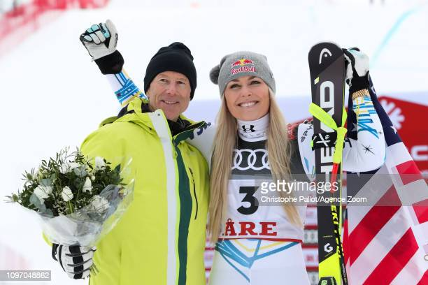 Ingemar Stenmark of Sweden Lindsey Vonn of USA wins the bronze medal during the FIS World Ski Championships Women's Downhill on February 10 2019 in...