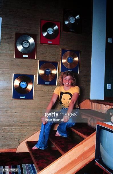 Inger Nilsson Bekannt durch KinderSerie 'Pippi Langstrumpf' Homestory Kisa Schweden Goldene Bronze Platin Schallplatten Platten Auszeichnung...
