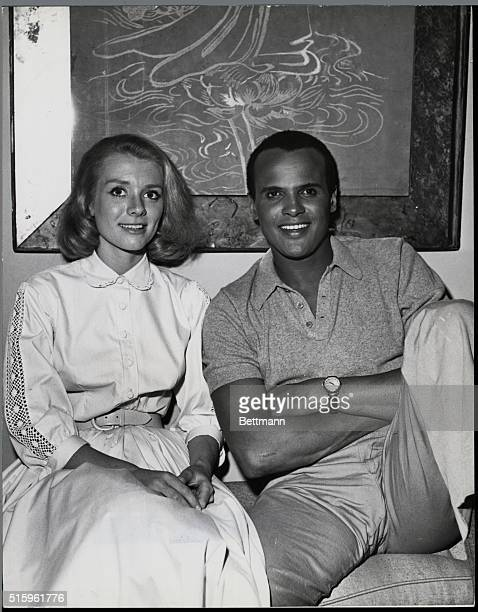 Inger Stevens and Harry Belafonte are teamed in a new motion picture and between scenes discover they have mutual interests in music and art...