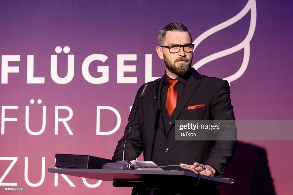 'Fluegel fuer die Zukunft' Charity Gala In Osnabrueck : Nachrichtenfoto