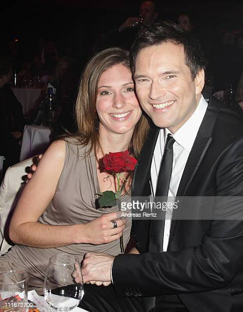 Ingo Nommsen and partner Mara Bergmann attend the 'Deutscher Live Entertainment Award PRG LEA 2011' at the Festhalle on April 5 2011 in Frankfurt am...