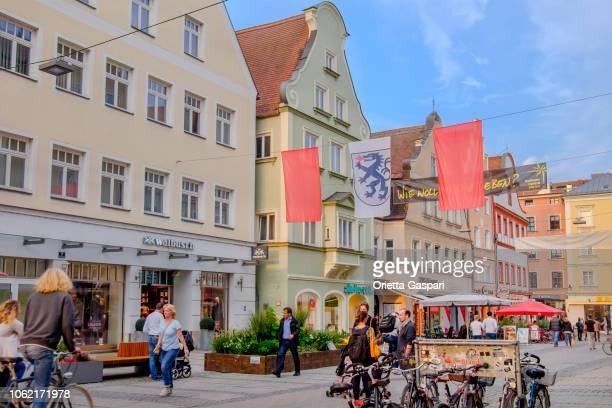 インゴルシュタット、theresienstraße (ババリア、ドイツ) - インゴルシュタット ストックフォトと画像