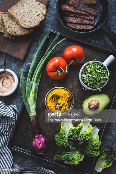 ingredients for a tempeh blt sandwich - テンペ ストックフォトと画像