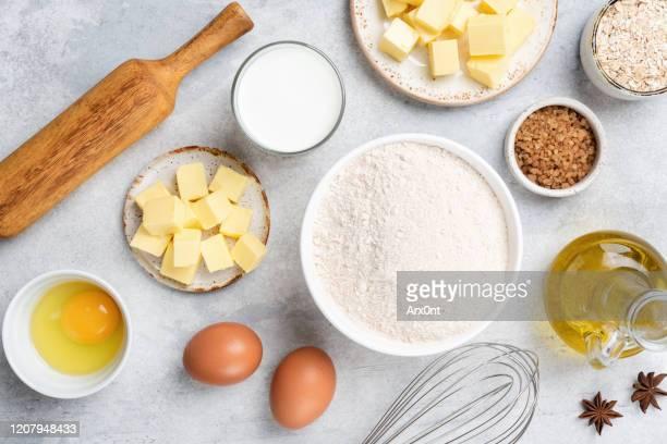 ingredients for baking on concrete background - sal de cozinha - fotografias e filmes do acervo