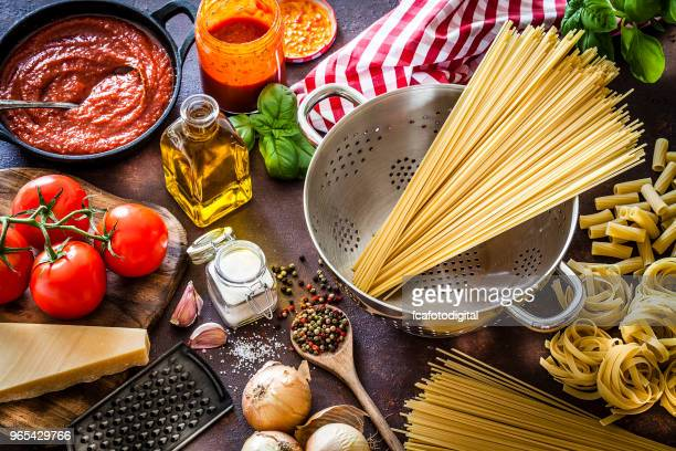 ingredients for cooking italian pasta - cultura mediterrânica imagens e fotografias de stock