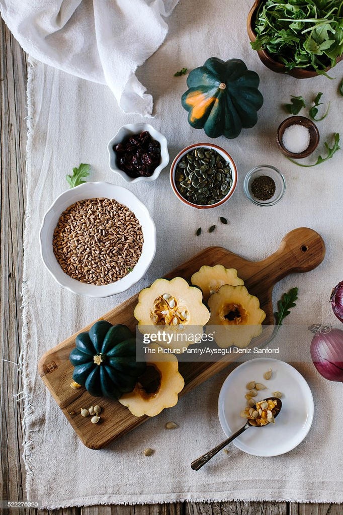 Ingredients for Roasted Acorn Squash Salad with Farro : Stock-Foto