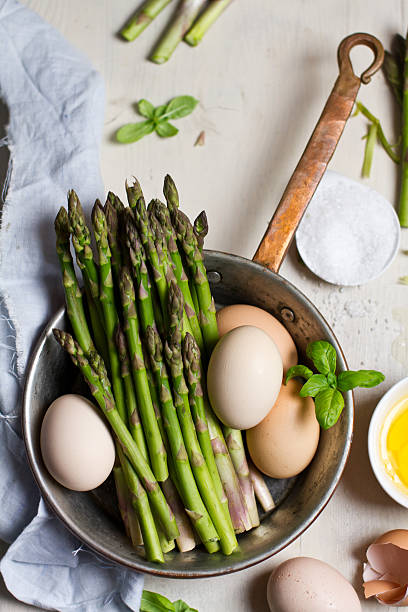 Ingredients of asparagus frittata