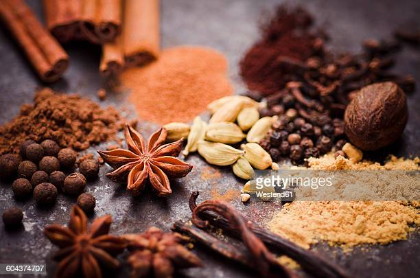 ingredients of gingerbread spice - spice stock pictures, royalty-free photos & images