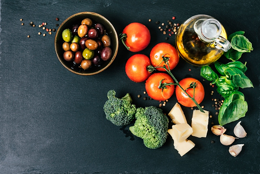 Ingredients (tomatoes, broccoli, garlic, basil, parmesan cheese, and spices) - gettyimageskorea