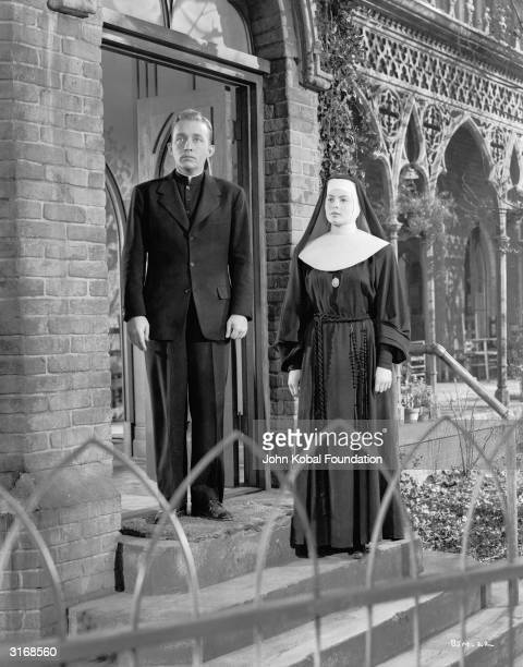 Ingrid Bergman and Bing Crosby play the feuding Sister Benedict and Father O'Malley in 'The Bells of St Mary's', directed by Leo McCarey.