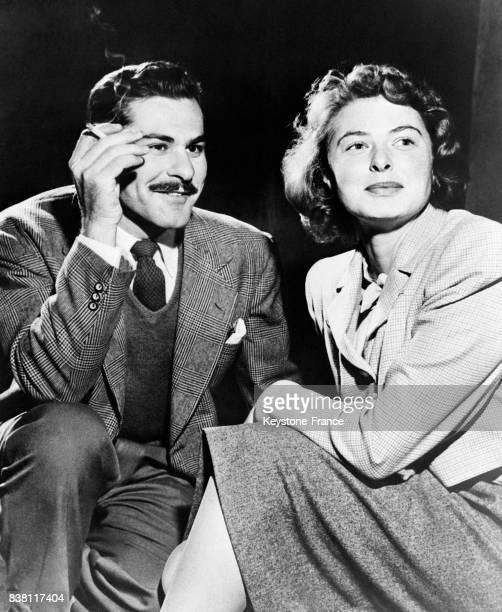 Ingrid Bergman et Sam Wanaker qui joueront ensemble dans la pièce de Maxwell Anderson 'Joan of Lorraine' , à Broadway, New York City, Etats-Unis en...