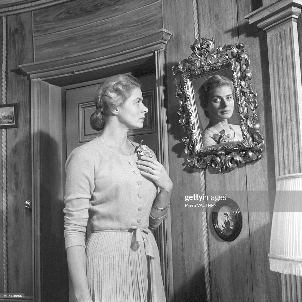 Ingrid Bergman in Stage Production of Tea and Sympathy : News Photo