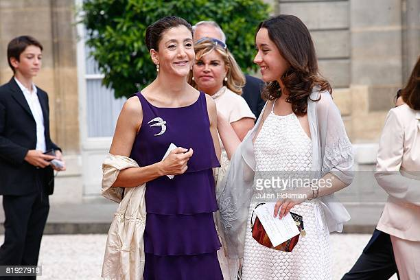 Ingrid Betancourt and her daughter Melanie Betancourt arrive in the courtyard of the elysee before the surrender ceremony decorations where she will...