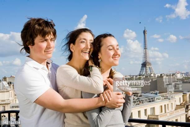 Ingrid Betancourt Free Back In France. Libération de l'otage franco-colombienne après six ans et quatre mois de captivité. Paris, dimanche 6 juillet...