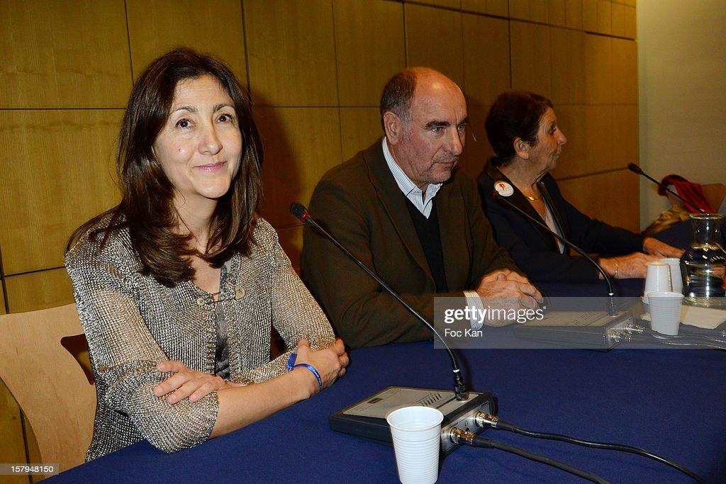 'Soutien A Tous Les Otages Du Monde' Press Conference