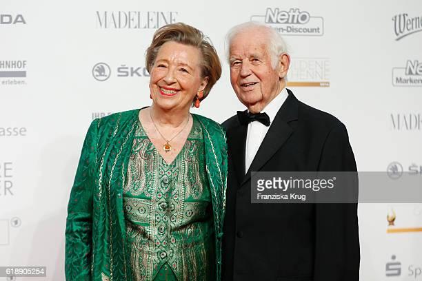 Ingrid Biedenkopf and Kurt Biedenkopf attend the Goldene Henne on October 28, 2016 in Leipzig, Germany.