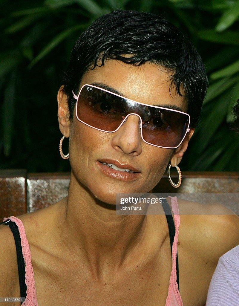 Sunglass Hut Swim Shows Miami Presented by LYCRA - Carmen Marc Valvo - Front Row and Backstage : Fotografía de noticias