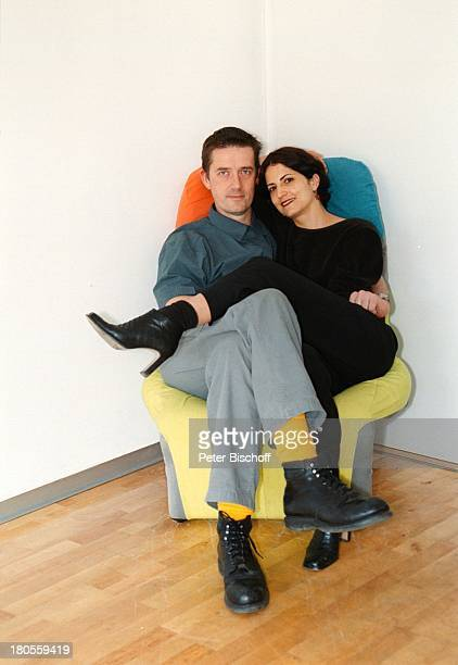 Ingrid El Sigai, Ehemann Peter Zizka,;Sessel, umarmen, kuscheln, Homestory,