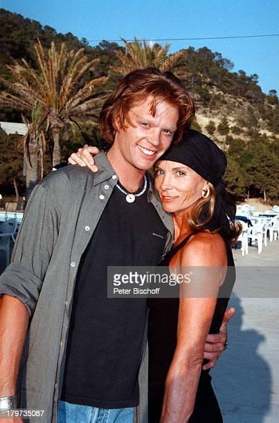 Ingrid Kraus mit Sohn Micky ARDP E T E RK R A U S GeburtstagsSpecial Ich machweiter Dreh Ibiza/Spanien