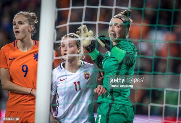 Ingrid Marie Spord of Norway Vivianne Miedema Sari van Veenendaal og Netherland during the FIFA 2018 World Cup Qualifier between Netherland and...