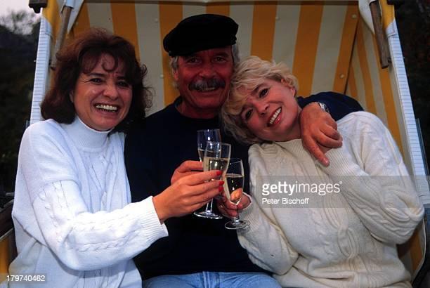 Ingrid Steeger mit Bruder Udo Stengert undSchwester Jutta Heda Sylt Urlaub