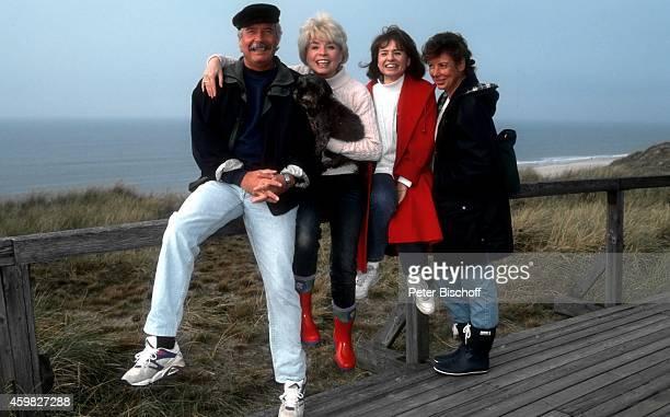 Ingrid Steeger mit Schwester Jutta Heda und Bruder Udo Stengert mit Ehefrau Gudrun Stengert Familientreffen am auf Sylt Deutschland