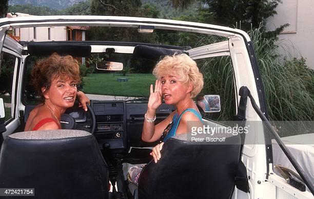 Ingrid Steeger Schwester Jutta Heda am Rande der Dreharbeiten zur ARDSerie Zwei Schlitzohren in Antalya am in Antalya Türkei