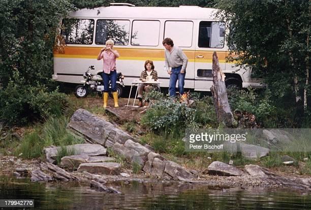Ingrid Steeger Schwester Jutta HedaSchwager Peter Norwegen UrlaubWohnmobil Picknick Fluss