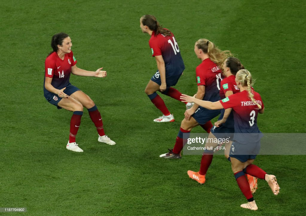 Norway v Australia: Round Of 16  - 2019 FIFA Women's World Cup France : Photo d'actualité