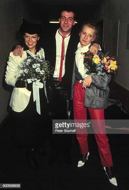 Ingrid van Bergen mit Tochter Carolin und Schwiegersohn Kay Sabban Hochzeit Blumen Familie Kind privat Schauspielerin Promi Promis Prominente...