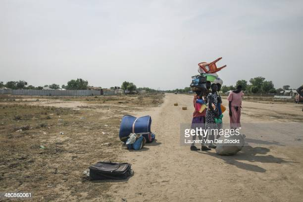 Inhabitants of Bor continue to leave the city which is 200 km North of Juba The capital of the state of Jonglei on four occasions occupied by the...