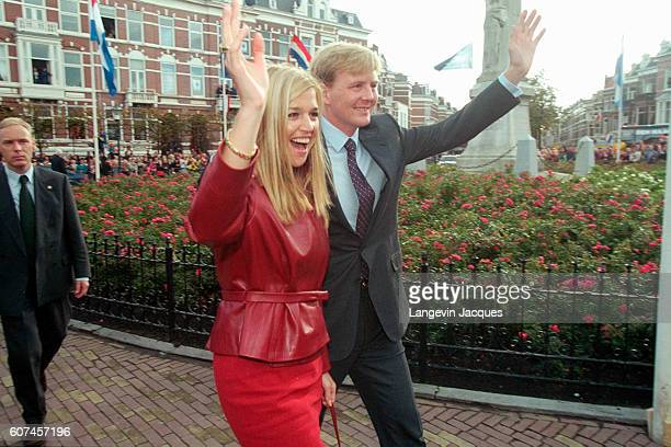 Inhabitants of The Hague gave a warm welcome to Prince Willem Alexander and his fiancee, Maxima Zorreguieta.